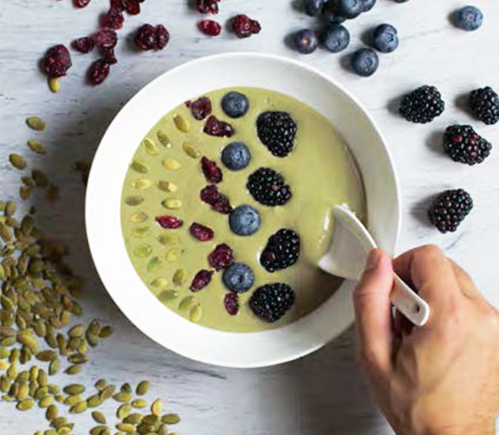 Vanilla & Greens Quinoa Smoothie Bowl